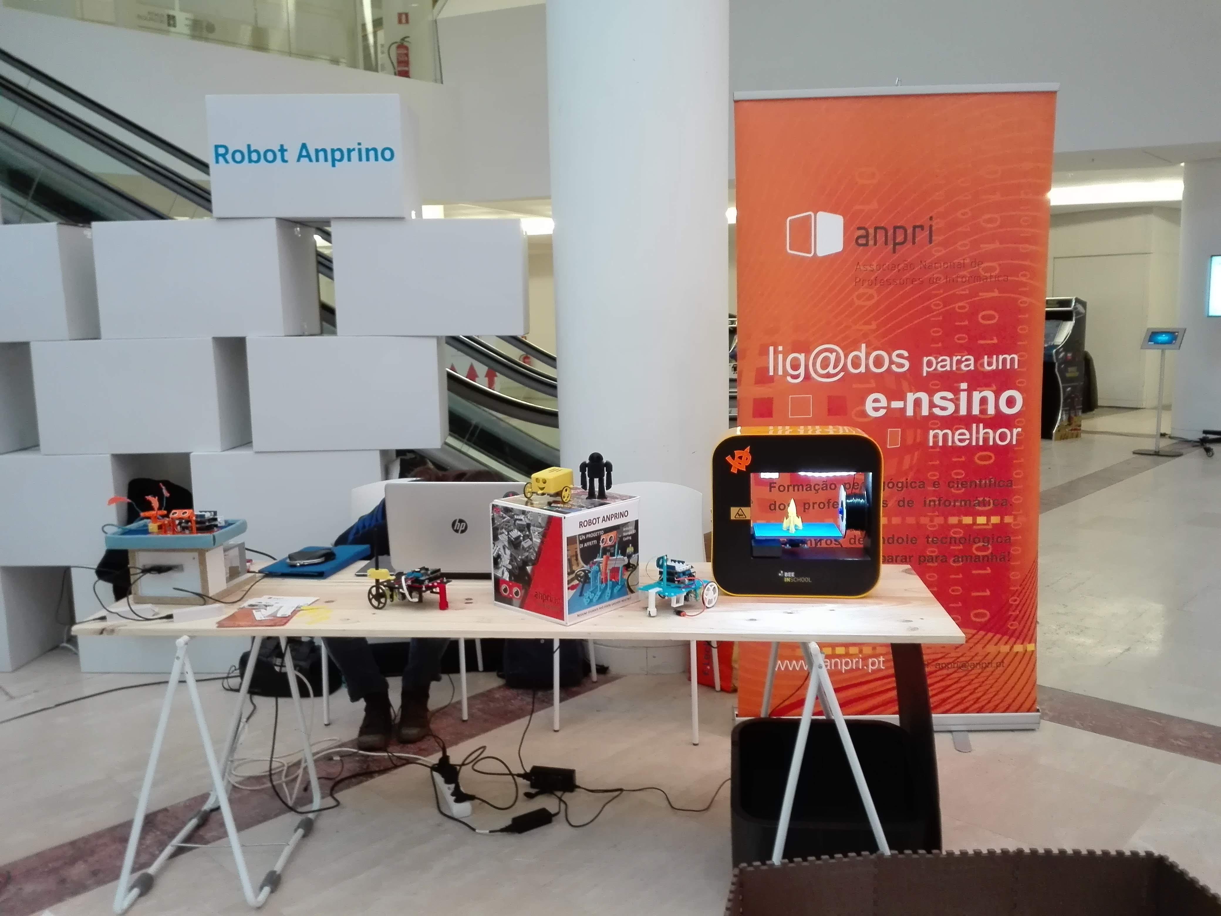 Espaço da ANPRI na Maker Faire Galicia.